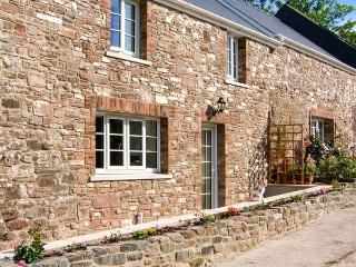 CORRAN COTTAGE, barn conversion with woodburner, country setting, next to stream, near Laugharne, Ref 906476 - Laugharne vacation rentals