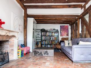 Charming apartment with deck - Versailles vacation rentals