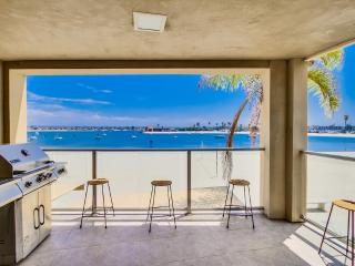 WATER FRONT Townhome *Corner Unit* - Mission Beach vacation rentals