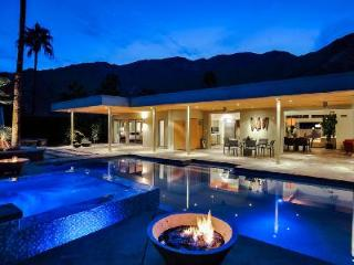Martini Rose - Spacious Home to Relax with Pool and Cascading Jacuzzi - Palm Springs vacation rentals
