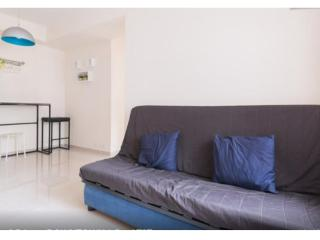 Cozy 2 Bedrooms Apartment MTR DOWNTOWN 1-5 ppl TST - Hong Kong vacation rentals