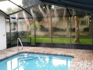 Waterfront Heated Pool w/ Misting System Boat Lift - Crystal River vacation rentals