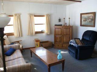 Cozy cottage on Silver Lake, Traverse City, MI - Northwest Michigan vacation rentals