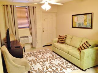 2 Blocks from Stadium, Sleeps 4, Space for 2 Cars - Northport vacation rentals