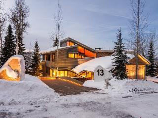 Stairway to Heaven, 6 Bedrooms, Sleeps 12, Indoor Swimming Pool and More! - Park City vacation rentals