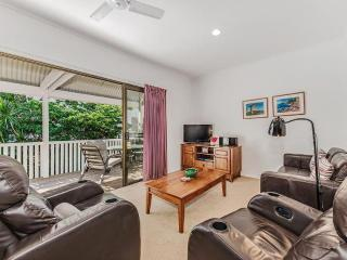 Riverbreeze Unit 2 - Noosa River at the end of the Street - Noosaville vacation rentals
