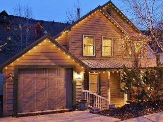 Main Street Hideaway with Walking Distance to Ski Slopes at Park City Mountain Resort, 3 Bedrooms, Sleeps 8 - Park City vacation rentals