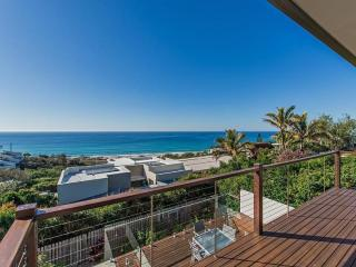 LUXURY 3 BEDROOM NOOSA HOLIDAY HOUSE WITH PRIVATE POOL AND OCEAN VIEWS - Sunrise Beach vacation rentals