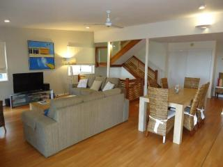 Eagles Nest - Nestled up on Noosa Hill with Hinterland View - Sunshine Coast vacation rentals