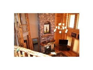Sleep 12 in this 5 bedroom 6.5 bath, 3 story luxury cabin on top of Steam Engine Meadows - Brian Head vacation rentals