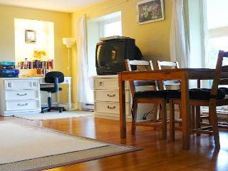Ocean View Large Cottage Suite Garden Level - Sleeps 6 - large kitchen - Gibsons vacation rentals
