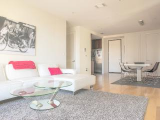 Miracle Mile 2 Bed/2 Bath Penthouse (4677) - Los Angeles vacation rentals