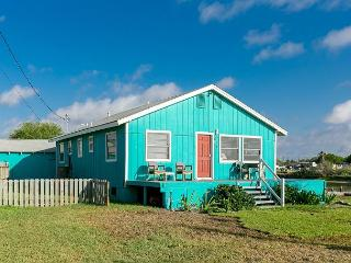 2BR/2BA Laguna Madre Bayhouse - Great for Anglers and Families, Sleeps 10! - Chapman Ranch vacation rentals