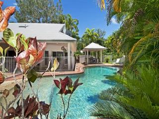 Solander House - Spacious 4 bedroom house close to beach and park - Port Douglas vacation rentals