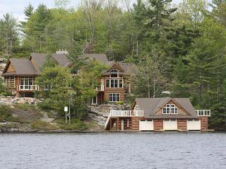 Luxury Rental Home On Lake Muskoka - Gravenhurst vacation rentals