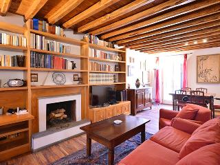 Spanish Steps cozy terrace attic - Rome vacation rentals