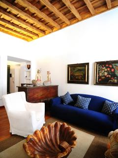 Monti Colosseum house apartment - Rome vacation rentals