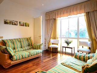 Spanish Steps comfortable apartment - Rome vacation rentals