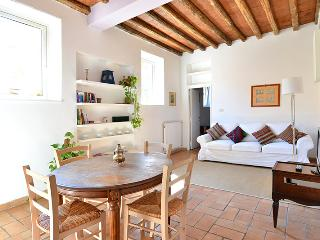 Scaletta apartment - Rome vacation rentals