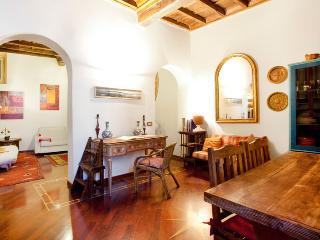Scala charming apartment - Rome vacation rentals