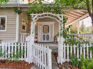 Charming, Modern Farmhouse at Town Square - Sonoma vacation rentals