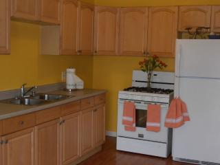 Affordable Escape!  Your Home away! Wifi,bbq,kitch - La Mesa vacation rentals