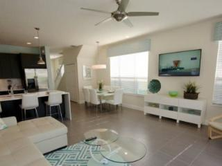 3 Bedroom 3 Bathroom New Townhome with South Facing Pool 17418PA - Disney vacation rentals