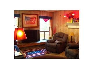 Patriotism is the theme for this 2 bedroom 1 bath condo. - Southwestern Utah vacation rentals