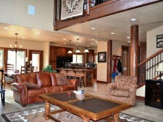 Ski In/Out Luxury Cabin with Private Hot tub - Brian Head vacation rentals