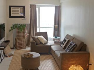 Cozy Apt in the Heart of Makati - National Capital Region vacation rentals