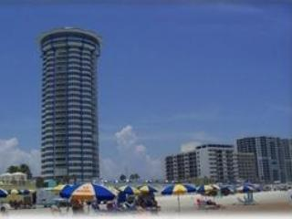 Luxury Penthouse Condo - 28th Fl - Awesome Views - Daytona Beach Shores vacation rentals