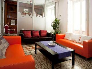 Perfect for Groups Madrid Centre Molino Apartment - World vacation rentals