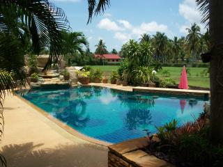 Luxury Villa with private swimming and fishing - Na Chom Thian vacation rentals
