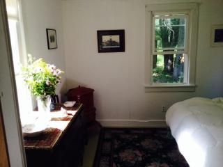Quiet, private oaisis on 5.5 acres next to Minnewaska Park - Hudson Valley vacation rentals