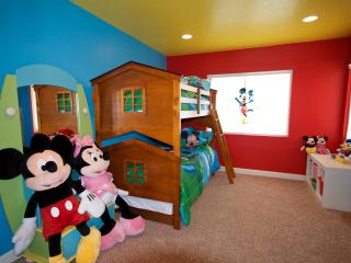 Andy's House - Pool and Spa - Walk to Disney! - Anaheim vacation rentals