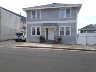 On the Bay  Last minute speacial 3 Day WE $1150.00 - Ventnor City vacation rentals