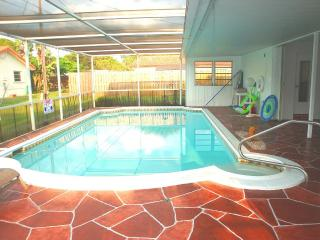 Vacation Central! Heated Pool, Beaches, Fishing - Margate vacation rentals