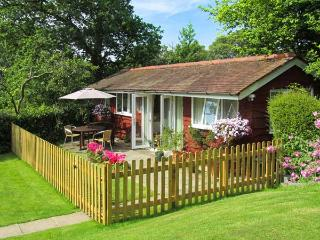 NOOK LODGE, all ground floor, open plan living area, parking, garden, in Kidderminster, Ref 905960 - Shatterford vacation rentals