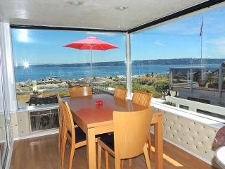 Columbia Beach House on Whidbey Island Free Wi-Fi - Clinton vacation rentals