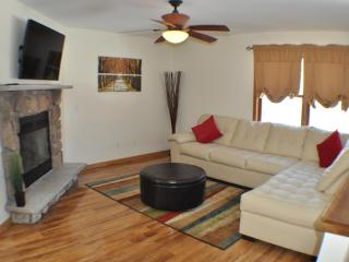 Creekview, 2 Masters, Cable & Wifi, walk to pool - Pennsylvania vacation rentals