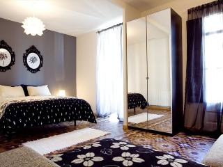 The Grande II Apartment, in the Heart of Eixample - Barcelona vacation rentals