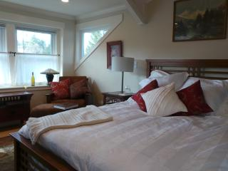 Luxury Guest Accomodations-Walking to Main St Placerville - Gold Country vacation rentals