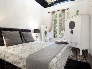 Magic Snowwhite Apartment in Heart of Eixample - Barcelona vacation rentals