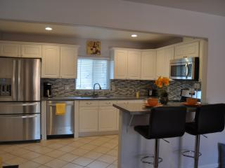 Startup Fevere!  2/1 Single Level home, Gar, W/D - Sunnyvale vacation rentals