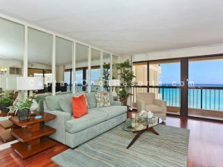 Waikiki Beach Tower #1804 - Luxurious Ocean view 2 bed 2 bath condo with pool, spa, parking - sleeps 6 - Honolulu vacation rentals