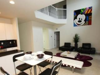 Modern And Themed 6 Bedroom 4.5 Bathroom Home In Veranda Palms. 2517DC - Orlando vacation rentals