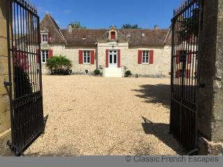 Exquisite Chateau near Bergerac FRMD140 - Bergerac vacation rentals