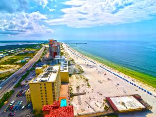 PREMIUM CONDO LOCATED DOORS DOWN FROM THE HANGOUT - Gulf Shores vacation rentals
