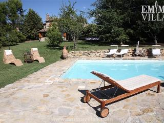Casale Checchera 8 - Umbria vacation rentals