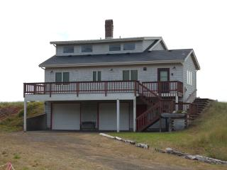 Brownlie's Beach Front House - 3 BR, Sleeps 6 - Rockaway Beach vacation rentals